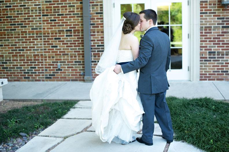 husband-wedding-pic
