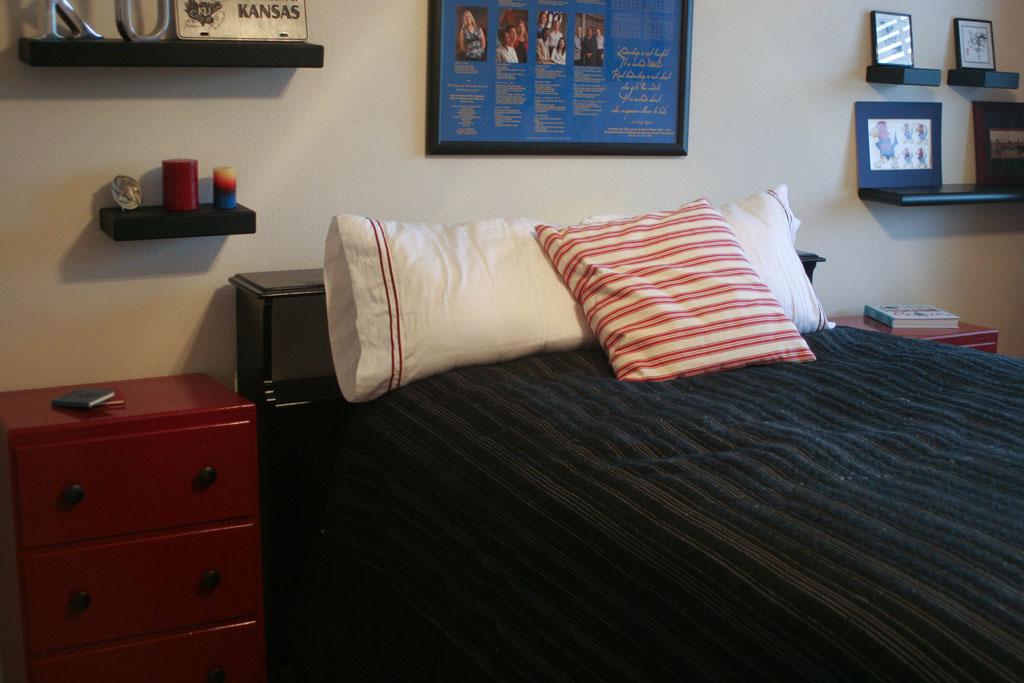 guest-room-dresser1