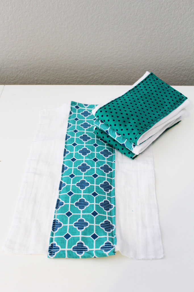 DIY Burp Cloths | www.amusingmj.com